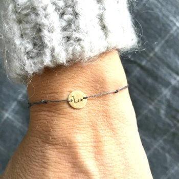 pulsera-personalizada-inicial-oro