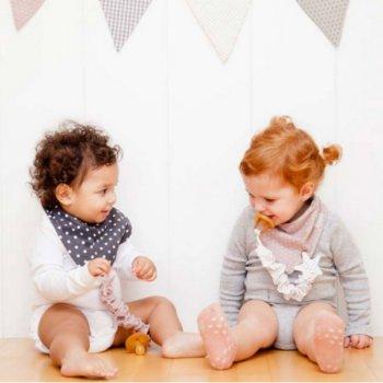 panoletas-bebe-antibabas-estrellas